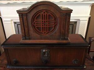 Working 1928 Brunswick radio