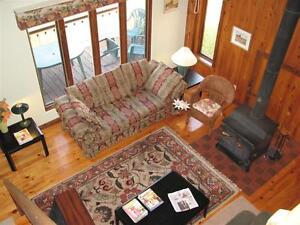 FURNISHED Exec Chalet 4-Br GATINEAU PARK Beach WiFi SatTV