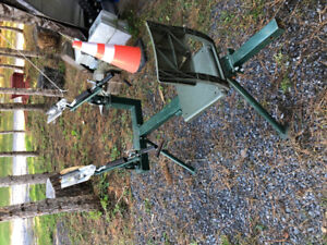 Double Sit down clay  pigeon launcher