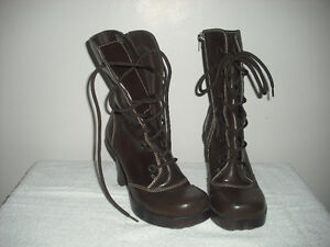VINTAGE STYLE BOOTS