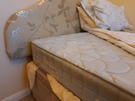 Double divan bed with drawers and mattresse