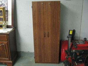 SHELF UNIT WITH DOUBLE DOORS AND LOCK WITH KEY