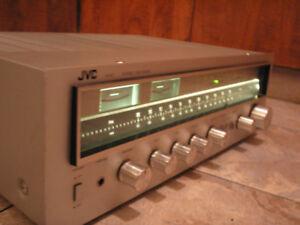 Beau receiver JVC R-S7