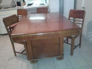 Table de cuisine antique à vendre