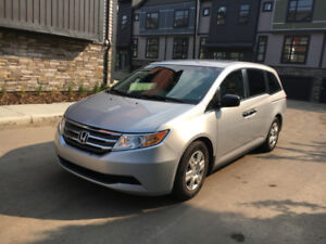 2012 Honda Odyssey LX - Excellent Condition