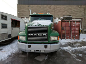 Camion Roll Off- Mack 1999- 10 roues