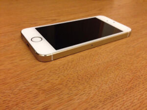 iPhone 5S - Gold - Mint Condition - Comes with Charging Cable