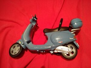 Barbie Vespa (blue)