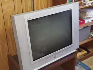 "RCA "" Tru-Flat "" Digital 27"" HDTV"