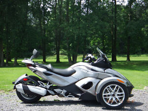 Can-am spyder rs 2013