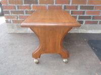 solid wood little table in exc cond