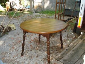 Round Table with Leaf & 4 Chairs