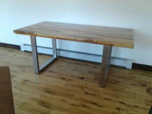 Sheesham wood dining table with metal legs