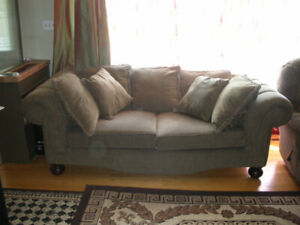 2 big Couches set , 2 coffee tables set for a big roomI can hel