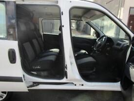 Fiat Doblo Cargo 1.6JTD SX 16v Multijet 5 Seat crew cab crew van (45)