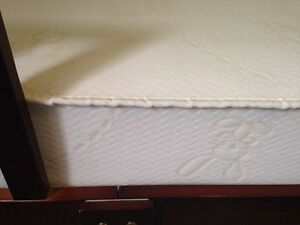 Simmons natural comfort crib mattress with 25 Year warrenty