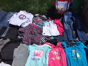 Lot vêtements fille 4-6 ans