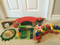 **THOMAS THE TRAIN & OTHER TRAIN ACCESSORIES FOR SALE**