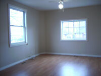 ALL INCLUSIVE!!! Nice, bright and clean 1 Bedroom Belleville apt