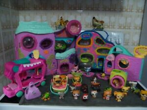 HUGE LOT OF LITTLEST PETSHOP TOYS PLAYCENTERS CASE AND MORE