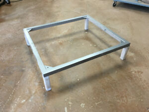 4 steel table bases