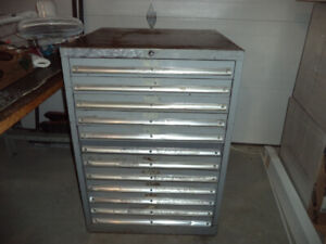 "Heavy duty ""Lista"" tool chest"
