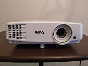 720p HD DLP Projector for sale