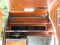 Teardrop Trailer - Aluminum / Pine / checker plate