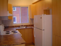 Lasalle Sub-letting 31/2 Quiet clean+frige+stove+balcony