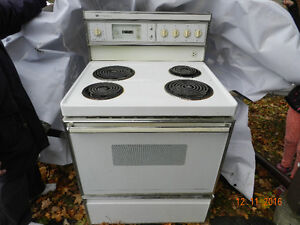 Cuisiniere White Westinghouse Stove