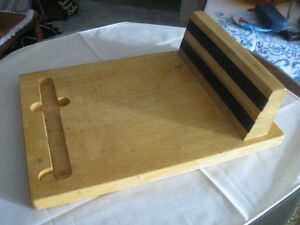 TOUGH STRONG OLD VINTAGE HARDWOOD CUTTING BOARD
