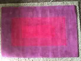 Rug red and burgundy