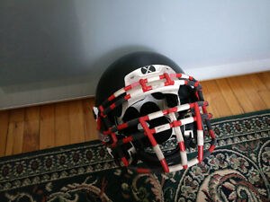Équipement de football (helmet, pads and visor)