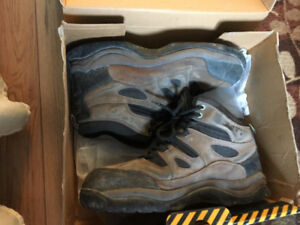 Safety Boots - Size 12