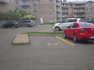 Place de stationnement à louer