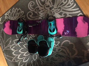 Womens snowboard, boots and bindings for sale -- $300 OBO