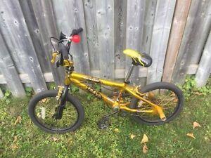 "Avigo Pyro Freestyle 18"" Boys bike"