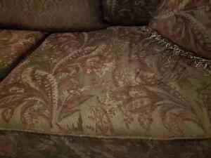 Beautiful embroidered couch and chair Sarnia Sarnia Area image 4