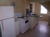 3 Bedroom Clean Apartment Upstairs