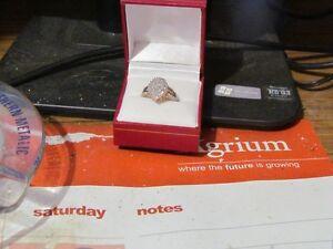 10K Women Diamon Ring For Sale