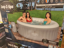 Lay-Z-Spa St. Lucia Hot Tub Jacuzzi - Brand New