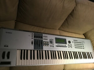 Yamaha Motif | Buy or Sell Used Pianos & Keyboards in Canada