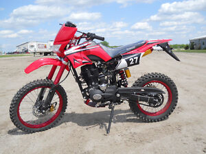 BRAND NEW 200cc DIRT BIKE / CLEARANCE SPECIAL / $1499.00