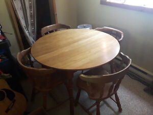 Solid maple dining table set