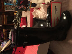 Hunter tall gloss black boots- sz 9. Excellent condition