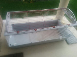Mansion-size cage for small pets