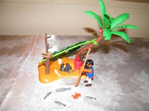Playmobil pirate naufragé