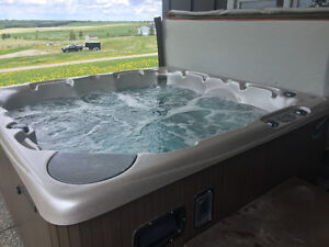 BEACHCOMBER 580 HYBRID HOT TUB