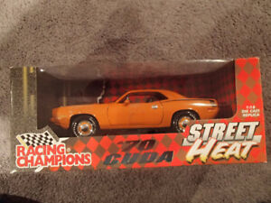 1:18 SCALE DIE-CAST RACING CHAMPIONS 70 CUDA HEMI ORANGE RARE