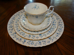 Royal Albert MEMORY LANE China for 12 plus Serving